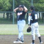 6回裏、鈴木が約2年ぶりの安打を放つ