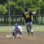1回裏、佐藤が今季初盗塁