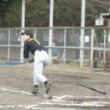 1回表、田中が二塁打を放つ