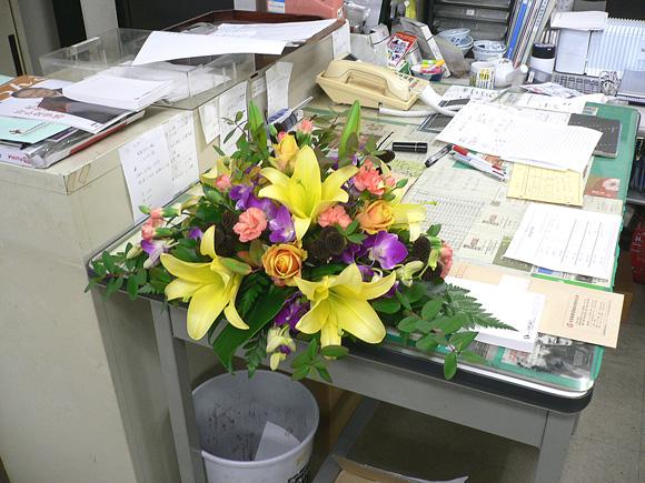 記者会見用の花