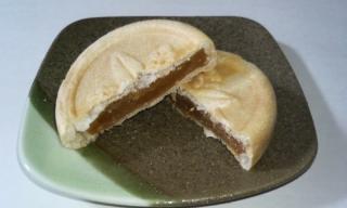 キャラメル餅モナカ 断面