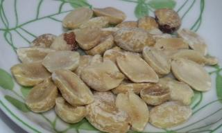 DRY ROASTED PEANUTS 中身