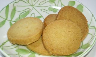 久米島のおからと国産小麦で作ったこだわりの手作りクッキー 中身