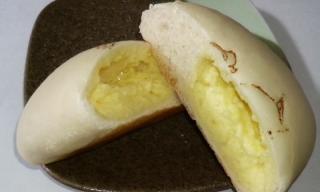 あひるのジマイマのクリームパン 断面
