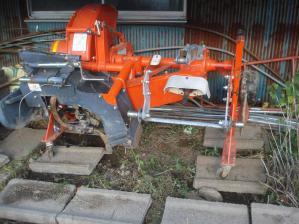 2010-9-17あぜ塗り機1