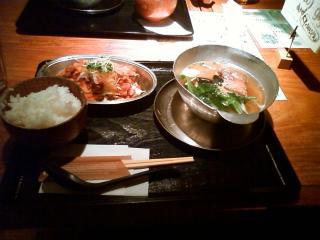 豚の角煮と青菜のフォー