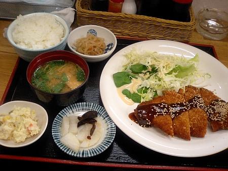 トンカツ定食味噌味