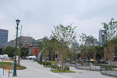 中之島公園から公会堂