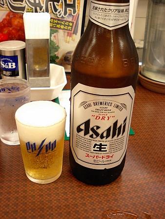 まずはビンビールから