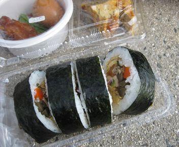 ジャコ入り巻き寿司