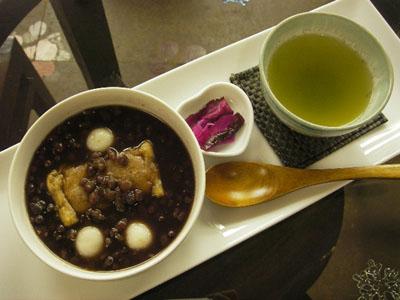 【とち餅・白玉ぜんざい】緑茶付
