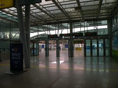 駅での改札廃止