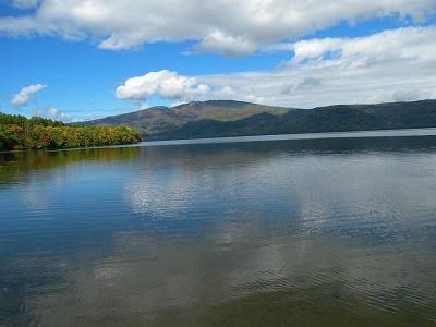 秋の屈斜路湖2景