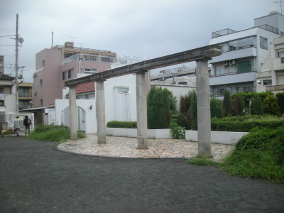 八雲記念公園アゴラ柱