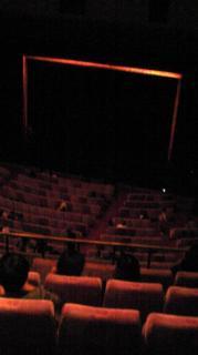 青山劇場 開演15分前 2階席より
