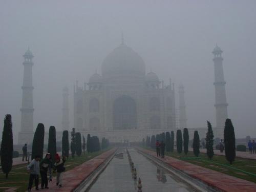 霧のタージマハル