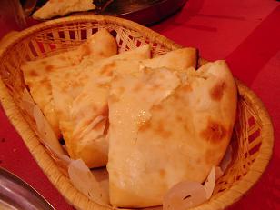 インドカレー チーズナン1