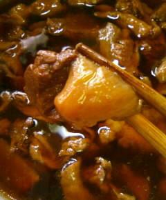 牛すじ肉の牛丼15