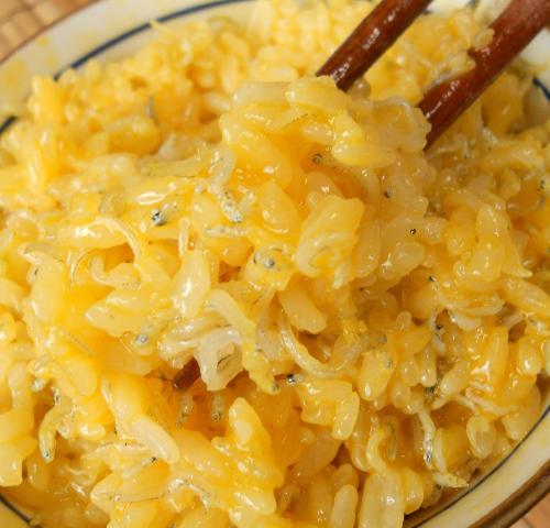 緊急食のしょっつる卵かけご飯8