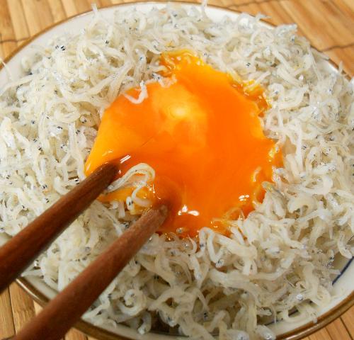 緊急食のしょっつる卵かけご飯7