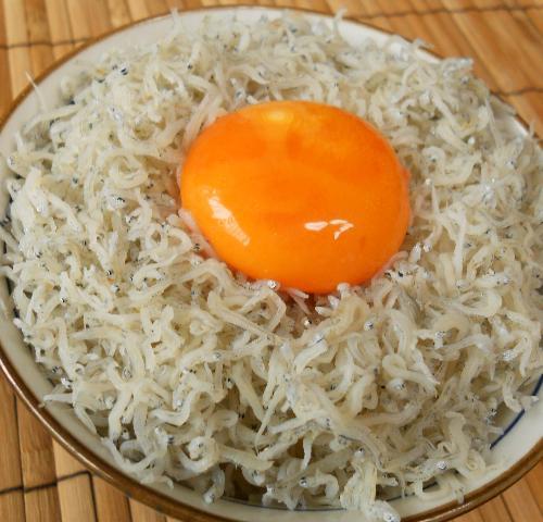 緊急食のしょっつる卵かけご飯6