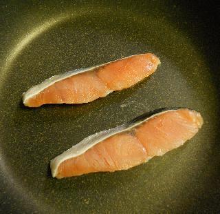 山岡さん大好物の鮭チャーハン1