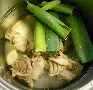 国嵩特製・梅とささみのスープ丼1