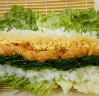 レタス巻き寿司とピリ辛挽肉サラダ11