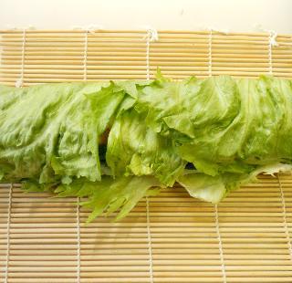 レタス巻き寿司とピリ辛挽肉サラダ12