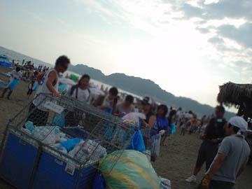 ビーチクリーン ライブ イン カマクラ ユイガハマ(beach clean live in kamakura yuigahama)
