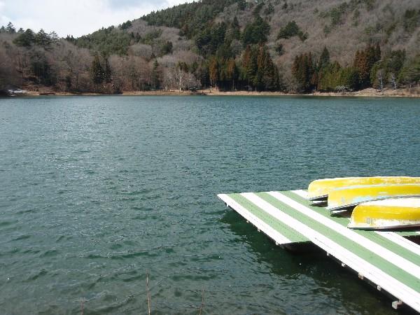 P1010010.JPG湖.jpg