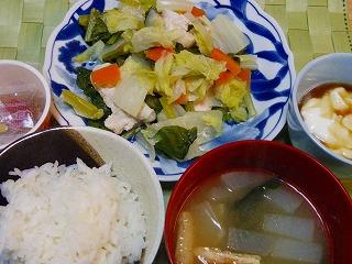鶏と野菜の酒蒸し