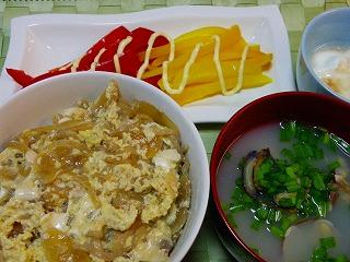 肉豆腐卵とじ丼