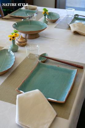 タイ料理テーブル