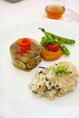 グルテンのテリーヌ野菜のピュレ玄米リゾット