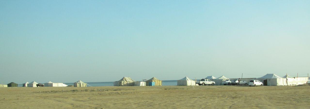 海辺のテント