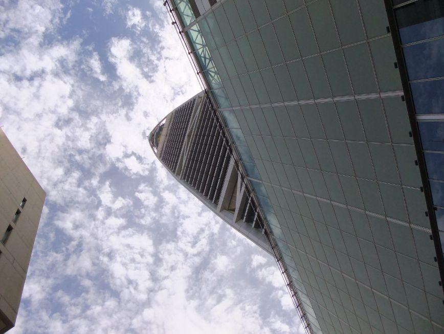 ファイサルタワー近景