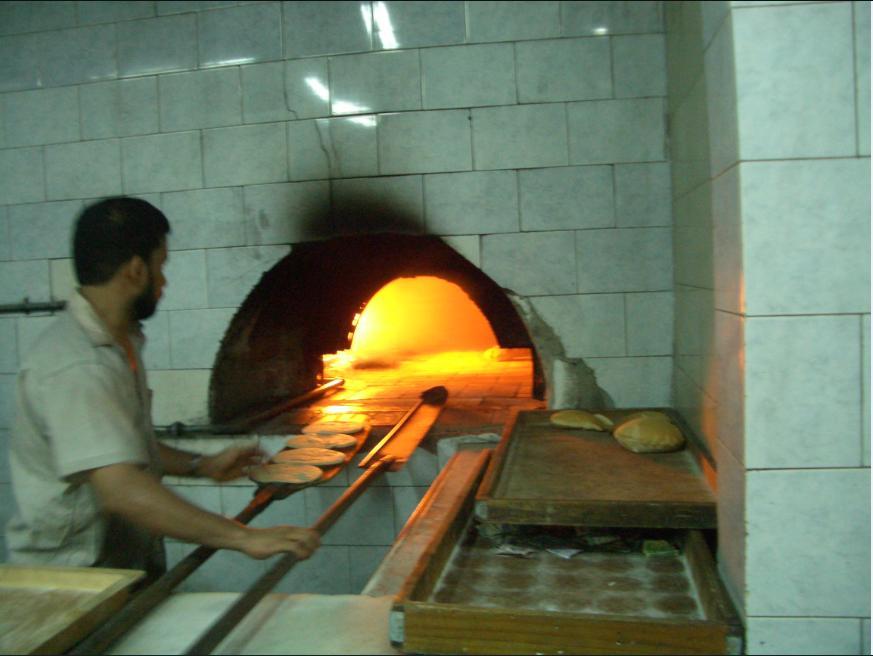 ピタパンを焼いています