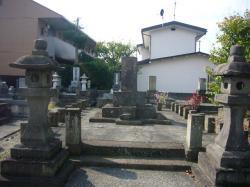 長命寺戊辰墓地