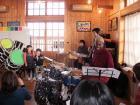 子供たちが歌う、トトロの「さんぽ」で演奏!