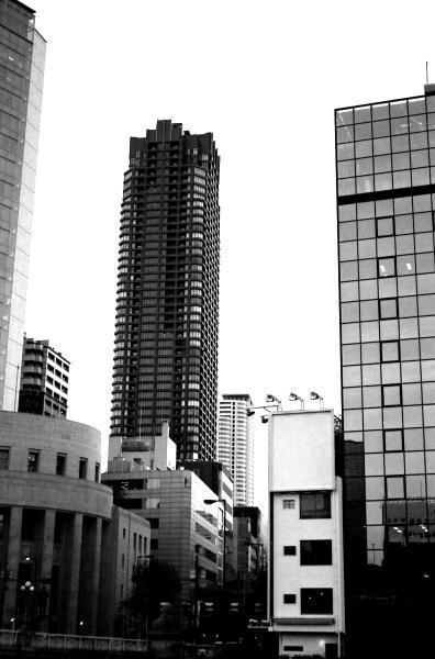 コントラスト・タワー