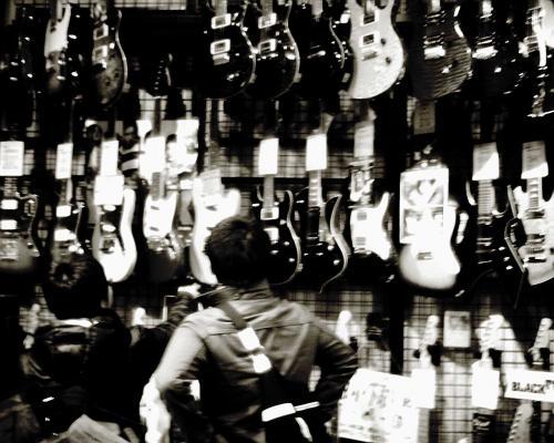 ギターが一杯
