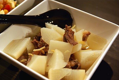 大根と牛スジの煮物