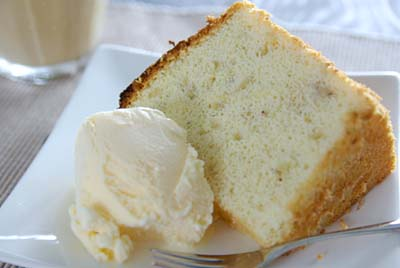 シフォンケーキ アイスクリーム添え