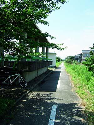 中央サイクリングロード 残された駅跡
