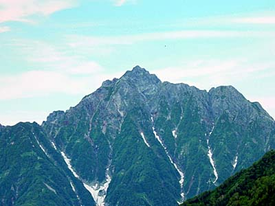 大日岳 鞍部より剱岳を望む