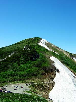 大日岳 大日山荘から大日岳頂上を望む