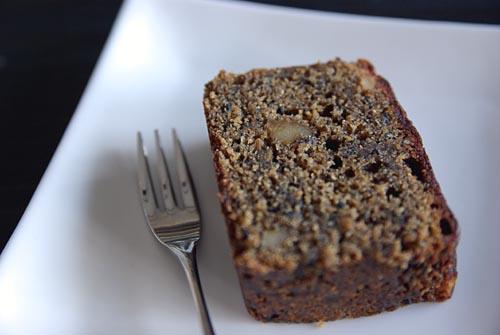 黒胡麻と黒糖と胡桃のパウンドケーキ