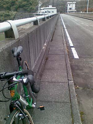 熊野川ダム ダム上部の通路