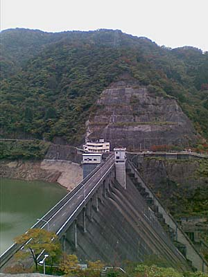 熊野川ダム 展望台より